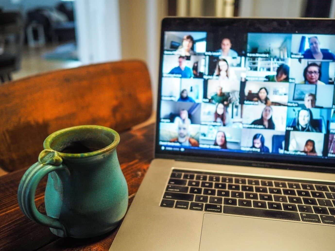 content/es-es/images/repository/isc/2020/videoconferencing1.jpg